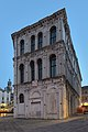 Palazzo Camerlenghi a Rialto notte Venezia.jpg