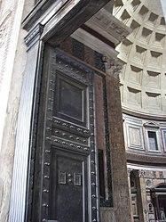 Pantheon (Rome) entrance door 2.jpg