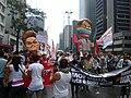 Parada gay 2011 - bonecos dilma e bolsonaro.jpg