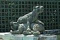 Parc de Versailles, Fontaine du Point du Jour, Tigre terrassant un ours, Jacques Houzeau, 1687 03.jpg