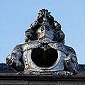 Paris - Les Invalides - Façade nord - Lucarne - PA00088714 - 010.jpg