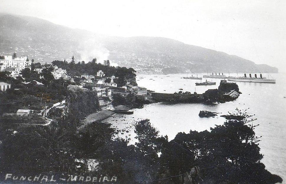 Penha de Fran%C3%A7a, Cais da Pontinha e ba%C3%ADa do Funchal, c. 1935