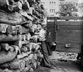 Pesti alsó rakpart, háttérben az Újpesti rakpart 3. (Katona József utca sarok). A kép forrását kérjük így adja meg- Fortepan - Budapest Főváros Levéltára. Levéltári jelzet- HU.BFL.XV.19.c.10 Fortepan 104326.jpg