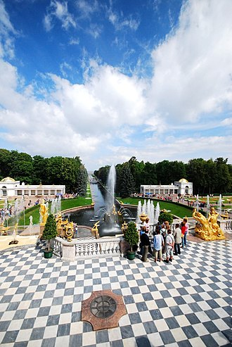 Petergof - Peterhof Palace: the Samson Fountain and Sea Channel