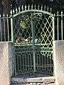 Petit portail annexe de La Sathonette à Saint-Maurice-de-Beynost (Ain, France) donnant sur la rue des Andrés.jpg