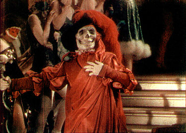 Frame enlargement of a Technicolor segment from The Phantom of the Opera (1925). The film was one of the earliest uses of the process on interior sets, and demonstrated its versatility. Phantomtechnicolor.jpg