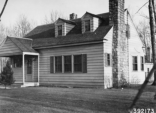Photograph of Drummond Ranger's Dwelling - NARA - 2128521