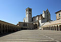 Piazza Inferiore di San Francesco, Assisi.jpg