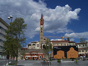 Cantù - Image: Piazza garibaldi cantù