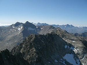 Trois Conseillers - View of Trois Conseillers with pic Long (au second plan) et en fond le Mont-Perdu Massif.