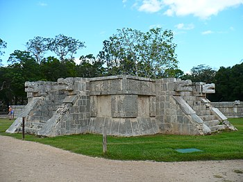 Platform of Venus Chichen Itza 02