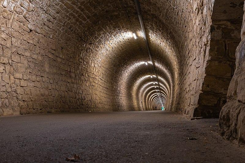 File:Portoroz Tunnel Valeta-8033.jpg