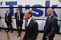 Premier Donald Tusk oraz Minister Paweł Graś przed komendą policji w Sierpcach (6162988190).jpg