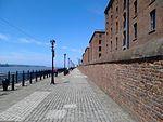 Promenade next to the Albert Dock, Liverpool.jpg