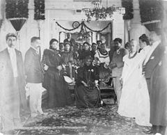 Queen Liliuokalani in mourning at Washington Place.jpg