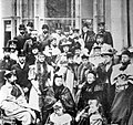 Queen Victoria surrounded by her family. Wellcome L0021947.jpg