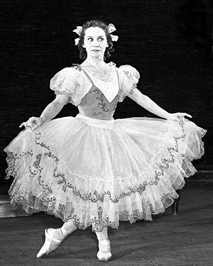 Olga Lepeshinskaya (dancer) - Lepeshinskaya as Swanilda, Coppélia, 1957