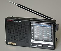 http://upload.wikimedia.org/wikipedia/commons/thumb/f/f3/Radio.jpg/200px-Radio.jpg