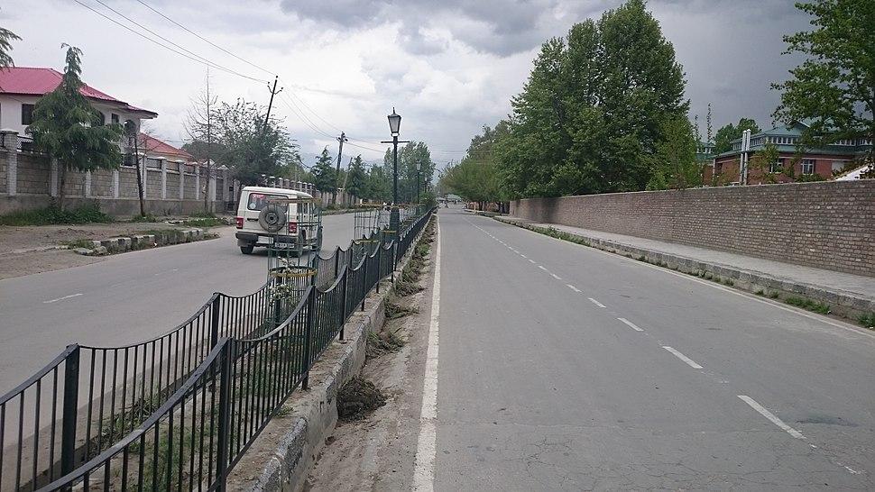 Rajbagh convent Road