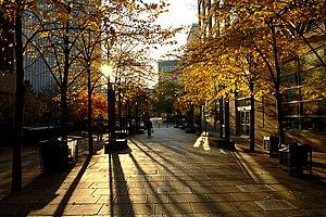 Trinity Square (Toronto) - Walkway linking Trinity Square with Bay Street (looking towards Bay Street).