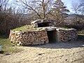 Reconstitution Dolmen néolithique final.jpg