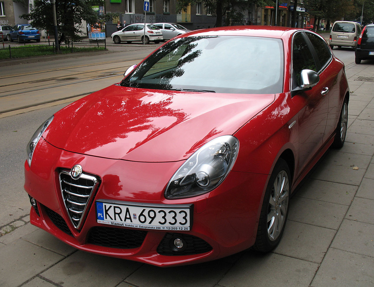 File Red Alfa Romeo Giulietta In Krakow 1 Jpg Wikimedia Commons