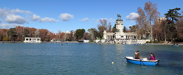 https://upload.wikimedia.org/wikipedia/commons/thumb/f/f3/Retiro-020116.jpg/640px-Retiro-020116.jpg