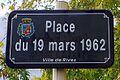 Rives -Plaque de rue - Place du 19 mars 1962 - 20131102 122728.jpg