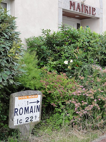 Romain (M-et-M) mairie et plaque Michelin