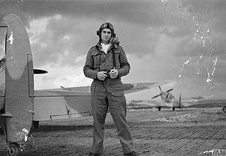 Evan Mackie British flying ace