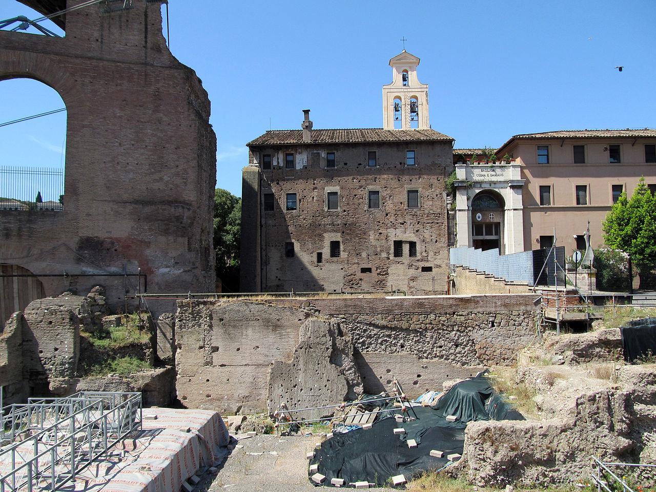 Santi Cosma e Damiano (15051717727).jpg