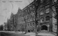 Schulgebäude Treskowstraße mit Haupteingang.png