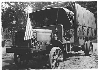 Liberty truck - Second-Series Liberty Truck showing oil side lamps and gas searchlight