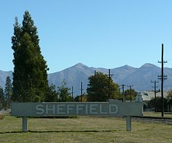 Sign next to SH73 welcoming visitors to Sheffield