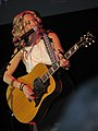 Sheryl Crow at the Midwestern 2.jpg