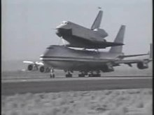 Fil:Shuttle Enterprise 747 SCA takeoff.ogv
