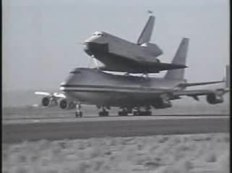 Archivo:Shuttle Enterprise 747 SCA takeoff.ogv