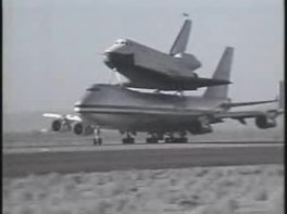 Soubor:Shuttle Enterprise 747 SCA takeoff.ogv
