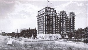 Hampton House (Chicago) - Sisson Hotel from Lake Michigan