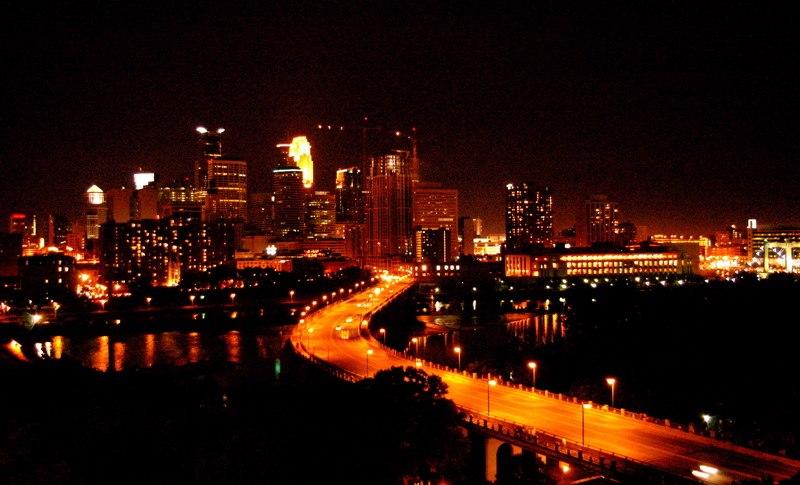 Skyline minneapolis night