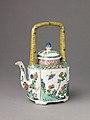 Small covered wine pot or teapot MET 1720-2.jpg