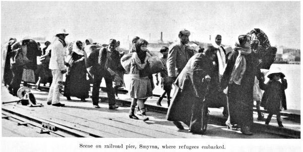Smyrna-massacre-refugees-1922