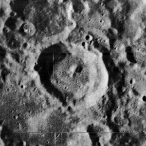 Sniadecki (crater) - Image: Sniadecki crater 1038 med