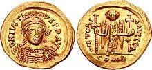 Bizans imparatoru I. Justin'in bir madeni parasının ön ve arka yüzleri