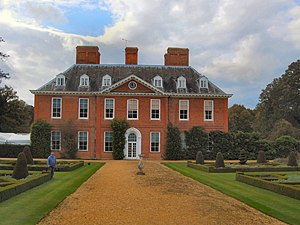 Squerryes Court - Image: Squerryes Court Manor House (geograph 2614918)