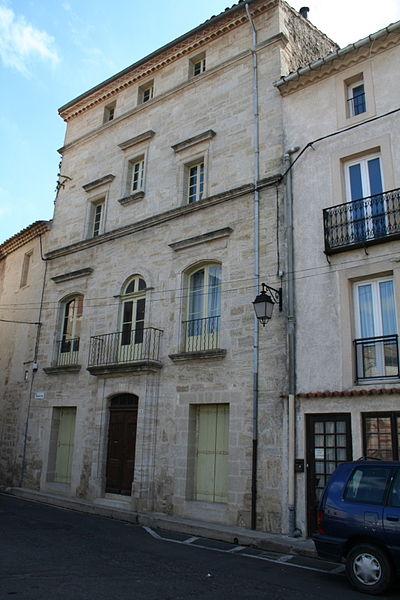 Saint-Thibéry (Hérault) - Maison (XVIIe siècle), place du Marché (Maison d'Adrien Aliès, médecin, 1795-1876).
