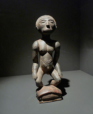 Holoholo people - Holoholo statuette of a woman from the 19th century or early 20th century