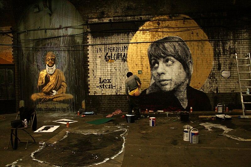 File:Sten lex banksy, cans festival, londra 2008.jpg