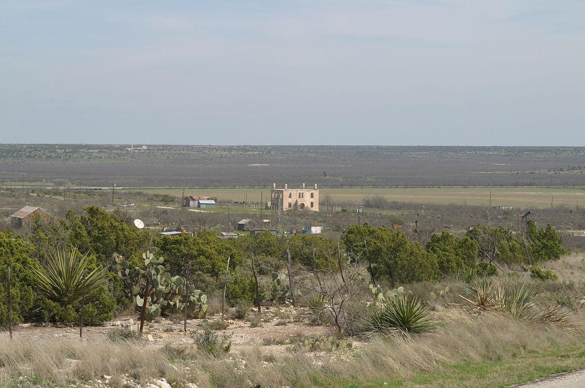https://upload.wikimedia.org/wikipedia/commons/thumb/f/f3/Stiles_Texas_2004.jpg/1200px-Stiles_Texas_2004.jpg