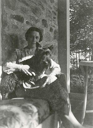 Margaret Suckley - Margaret Suckley and Fala at Top Cottage, photographed by Franklin D. Roosevelt (1941)
